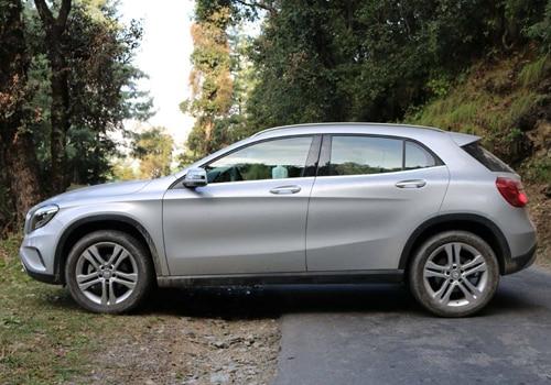 Mercedes benz gla takes on audi q3 bmw x1 volvo v40 for Mercedes benz gla class india